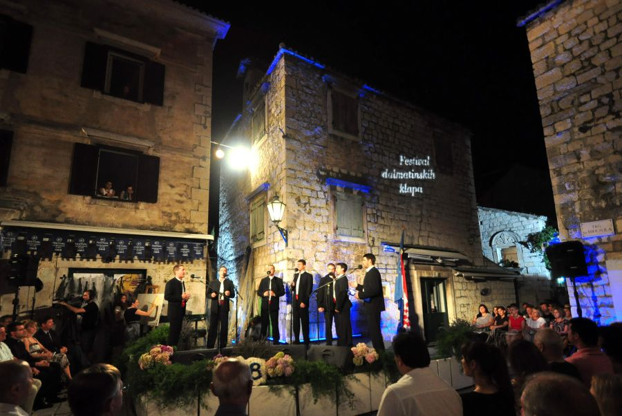 Omis-klapa-singing-walking-tour